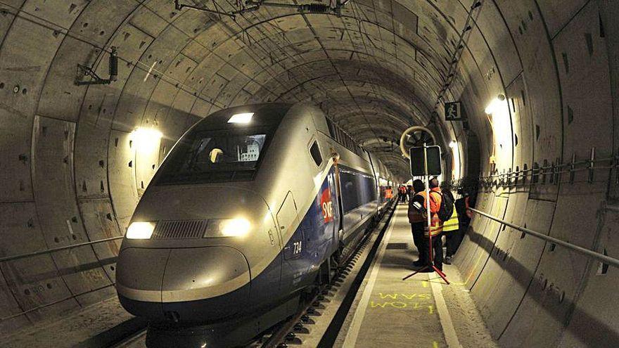 Rebaixen el peatge del túnel del Pertús per atraure més trens