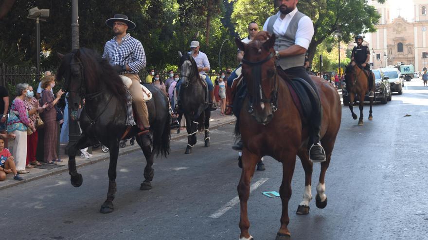 Los caballos toman la calle en el primer fin de semana de Feria