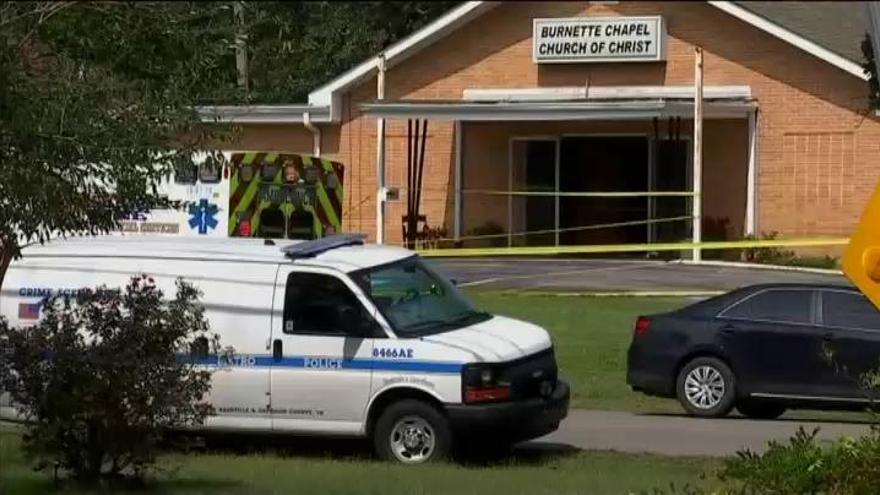 Al menos un muerto y siete heridos en un tiroteo en una iglesia de Tennessee