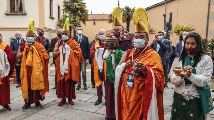 El centro budista de Cáceres dispondrá de balsas de agua y placas solares