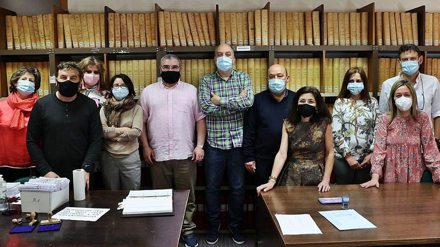 """Rebelión del personal del Registro Civil por su traslado al Casco Vello: """"Es inviable"""""""