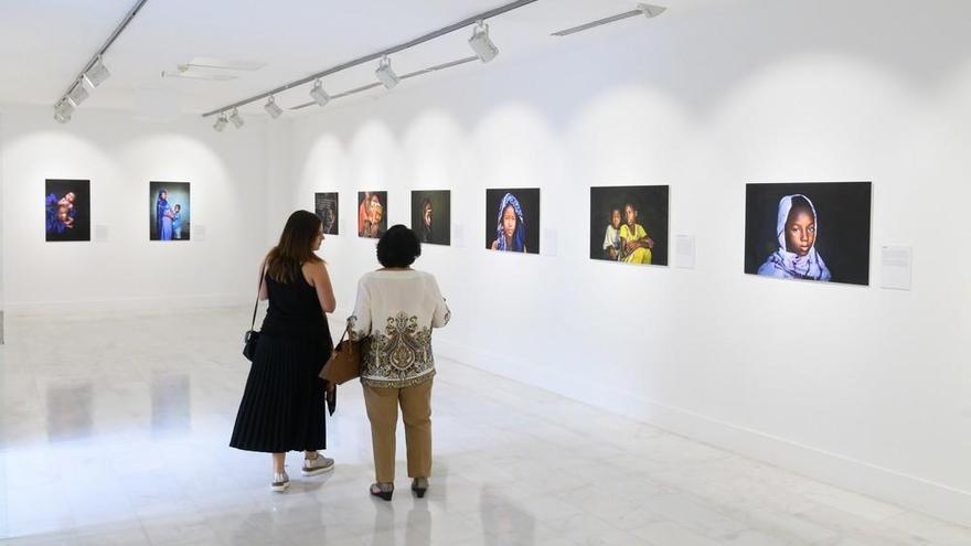 Casa África inaugura dos exposiciones fotográficas simultáneas sobre infancia y juventud