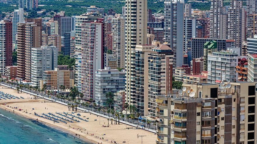 Benidorm se alía con otros seis municipios turísticos clave para lograr más financiación