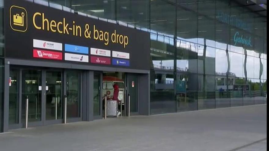 Los viajeros que lleguen a Inglaterra podrán reducir la cuarentena con un test