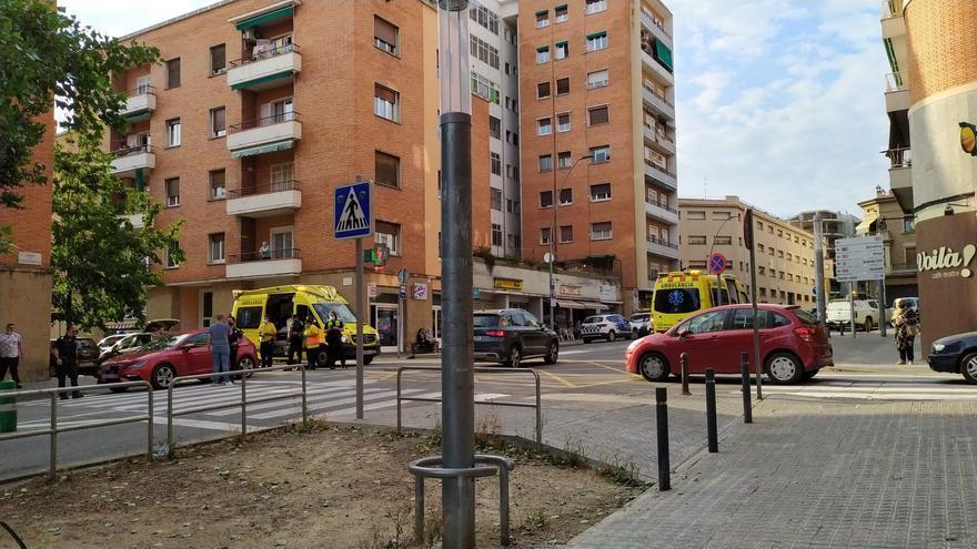 Atropellat de poca gravetat un nen de tres anys al carrer Francesc Moragas
