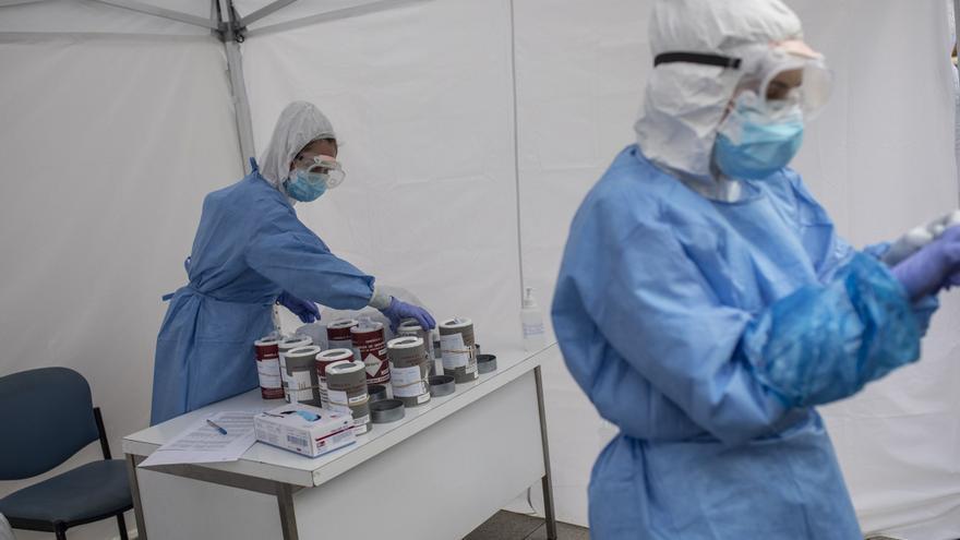 Las enfermeras denuncian que el Sacyl les obligue a hacer pruebas de COVID a personal de centros sanitarios
