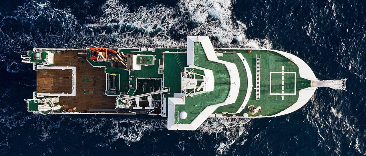 """Vista cenital del """"Bélgica"""", buque de investigación, para el Real Instituto Belga de Ciencias Naturales."""