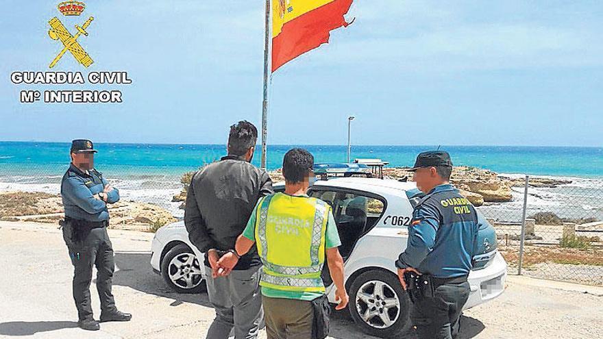 Tres detenidos por atracar dos bares en El Campello