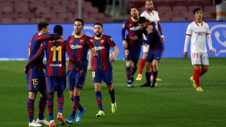 El Barcelona se crece para remontar al Sevilla y jugará la final de la Copa