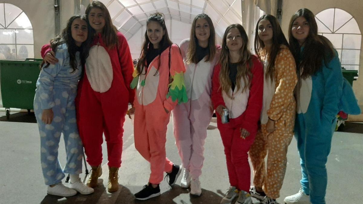 Los pijamas invaden Alcossebre por el Carnaval