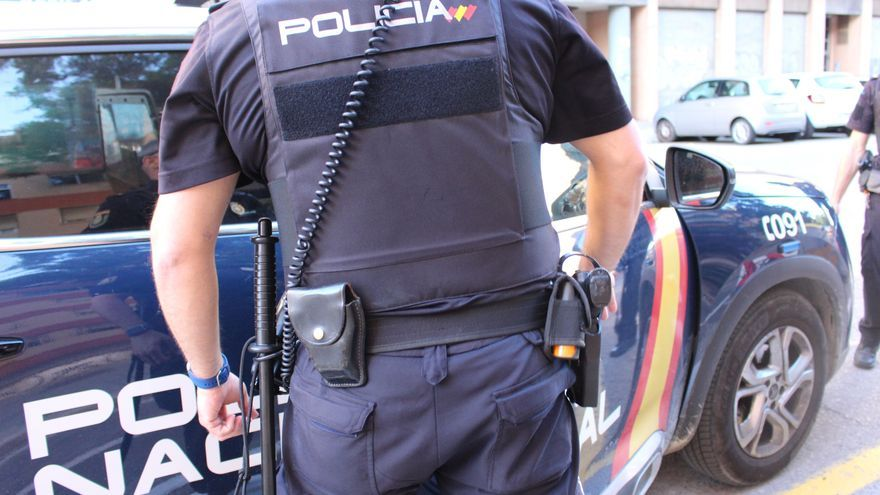 Detenido por grabar con el móvil a mujeres en un vestuario de Logroño