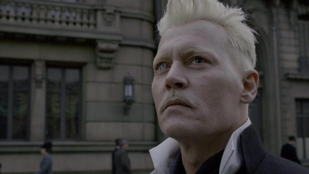 Johnny Depp como Grindelwald.