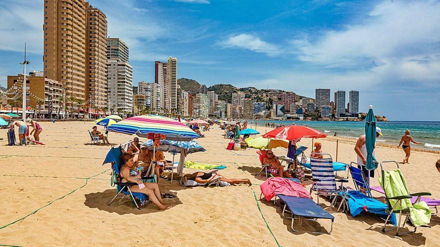 Ni rastro de los auxiliares en las playas de la provincia en la fecha prometida por Puig