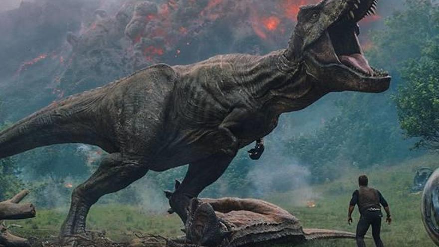 El «Jurassic World» de J. A. Bayona aterra avui en cinc cines de la Catalunya Central