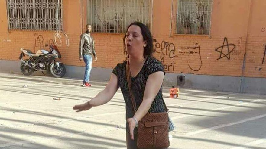 Piden 22 años de cárcel para la acusada de matar a su vecina prendiéndole fuego en Murcia
