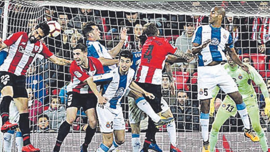 L'Espanyol perd dos punts a deu minuts per al final del partit