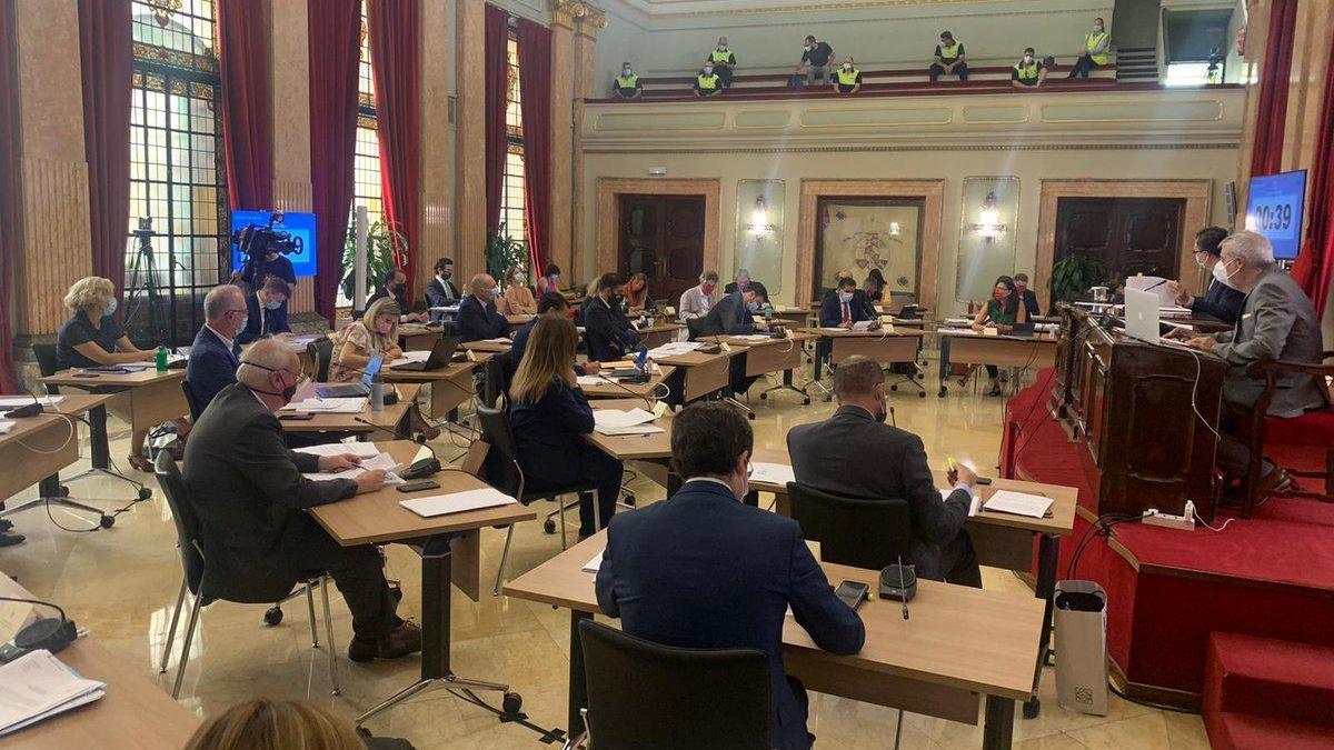 La incertidumbre ante el inicio del curso centra el debate del Pleno de Murcia