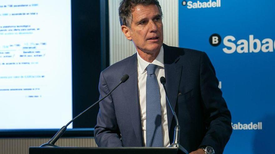 El Sabadell ultima el relevo de su consejero delegado Jaume Guardiola por César González-Bueno