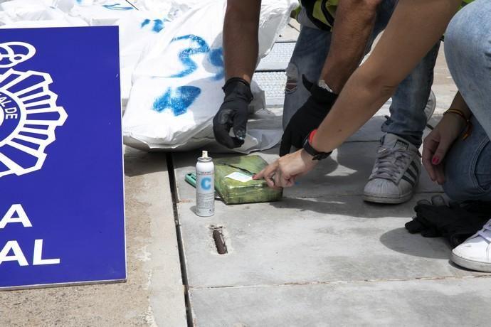 Interceptan un narcovelero con 800 kilos de coca