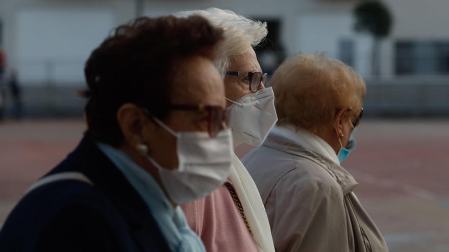 La incidencia del virus se estabiliza entre los mayores de Oviedo, Gijón y Avilés