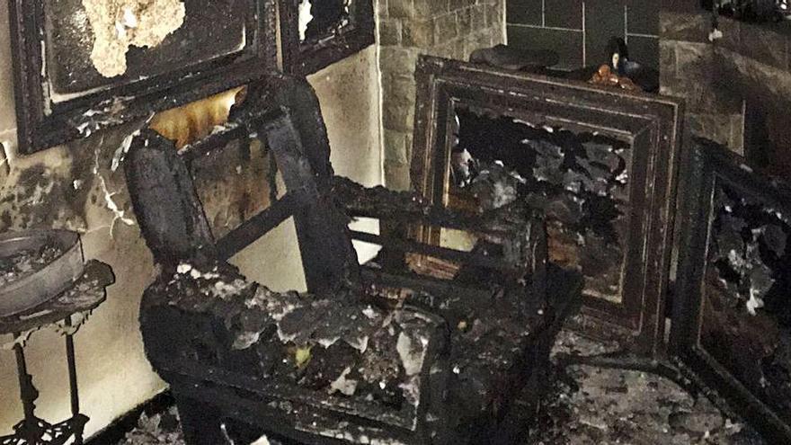 Dos detinguts per robar mobles i quadres valorats en 200.000 euros a Olot