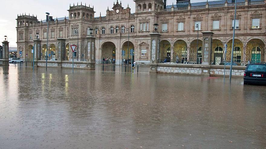 """El arreglo de la """"piscina"""" de la estación de tren de Zamora costará un millón de euros"""
