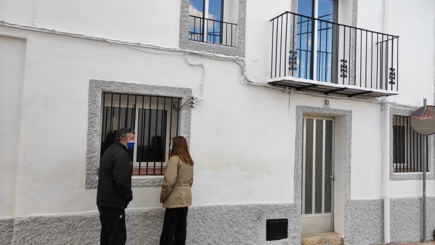 La oferta viral de trabajo y casa gratis en la Torre d'en Doménec ya tiene tres familias 'finalistas'