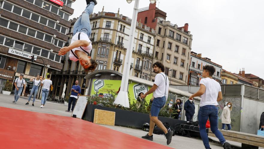Exhibición de gimnasia acrobática en Fomento