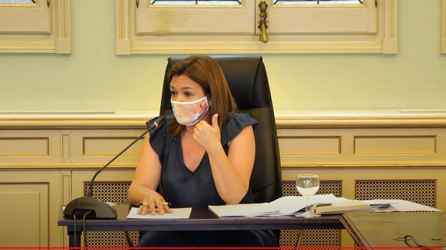 DIRECTO | Mercedes Garrido comparece en el Parlament para explicar el macrobrote de estudiantes