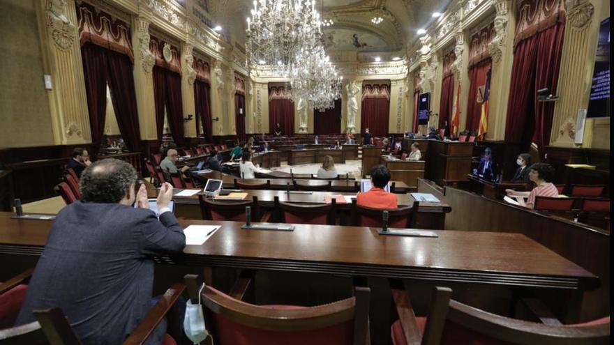 El Parlament valida el decreto de protección con el rechazo de PP, Cs, Vox y Pi