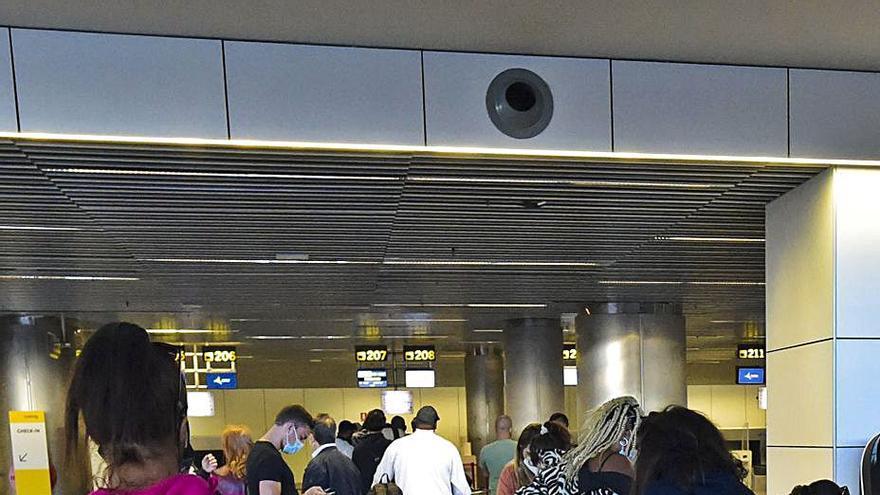 Canarias reclama  a la UE un acuerdo cuanto antes para viajar con seguridad