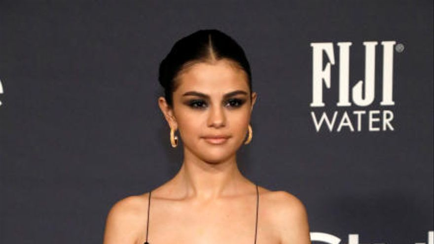 Selena reaparece