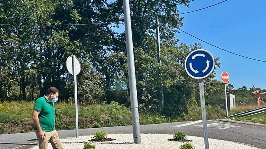 Reforma de la rotonda ubicada en Pazos de Borela