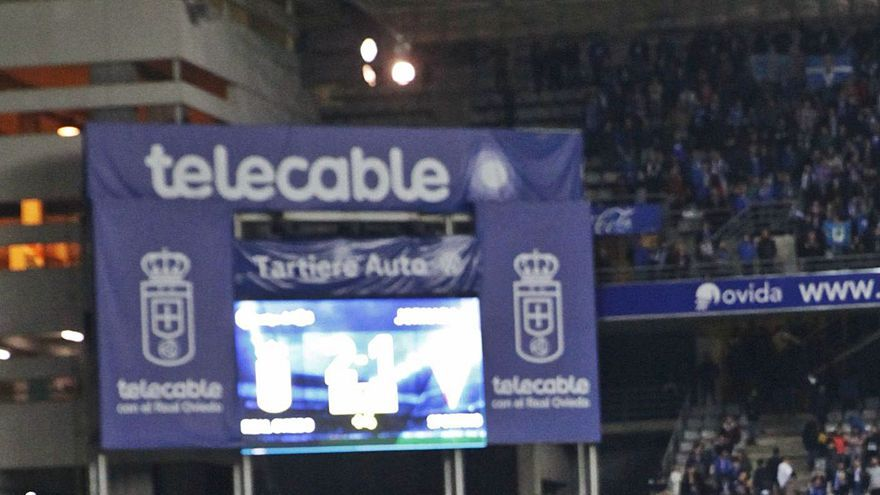 Dos menores, indemnizados con 7.000 euros por un reportaje televisivo del derbi asturiano de 2018 que atenta contra su imagen