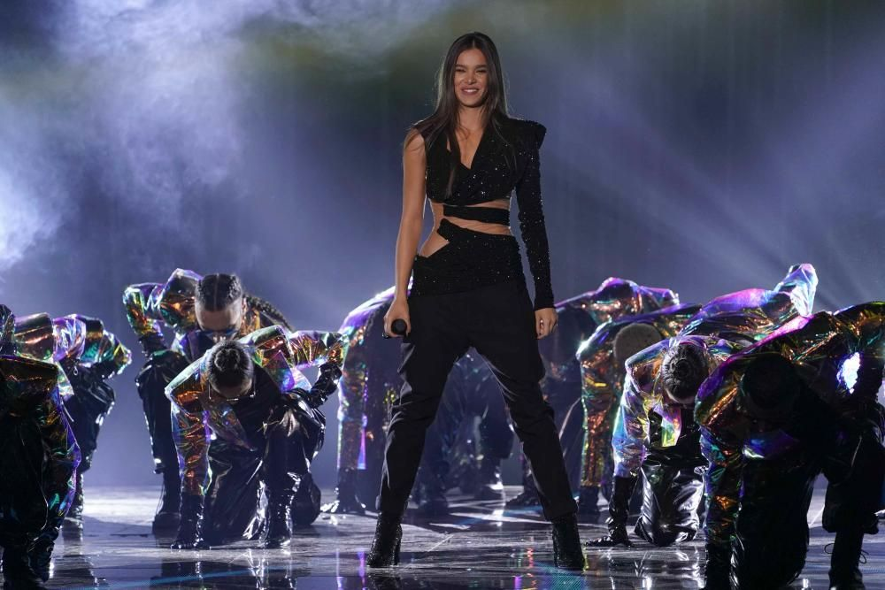 Hailee Steinfeld performs at the 2018 MTV Europe ...