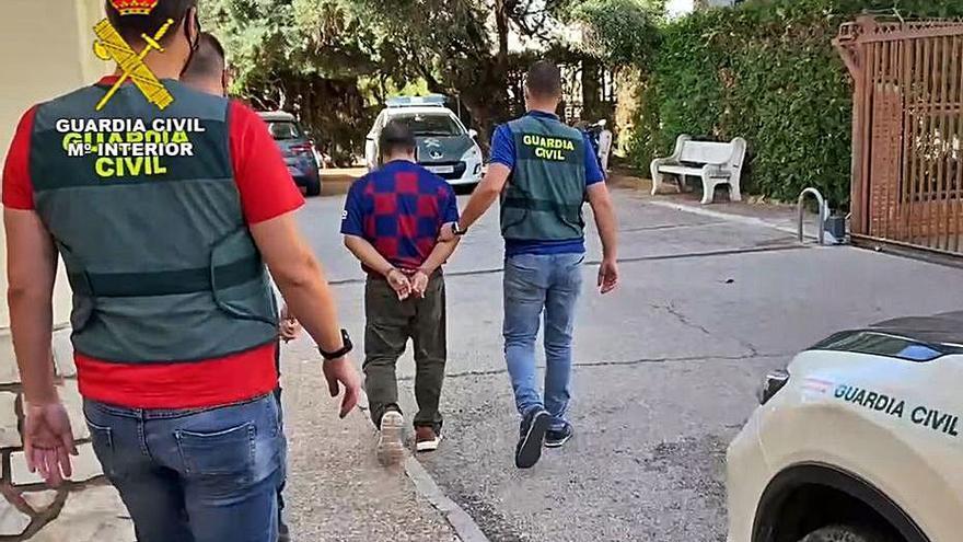 Detenido tras comprar un piso en Alzira con el premio de un décimo robado