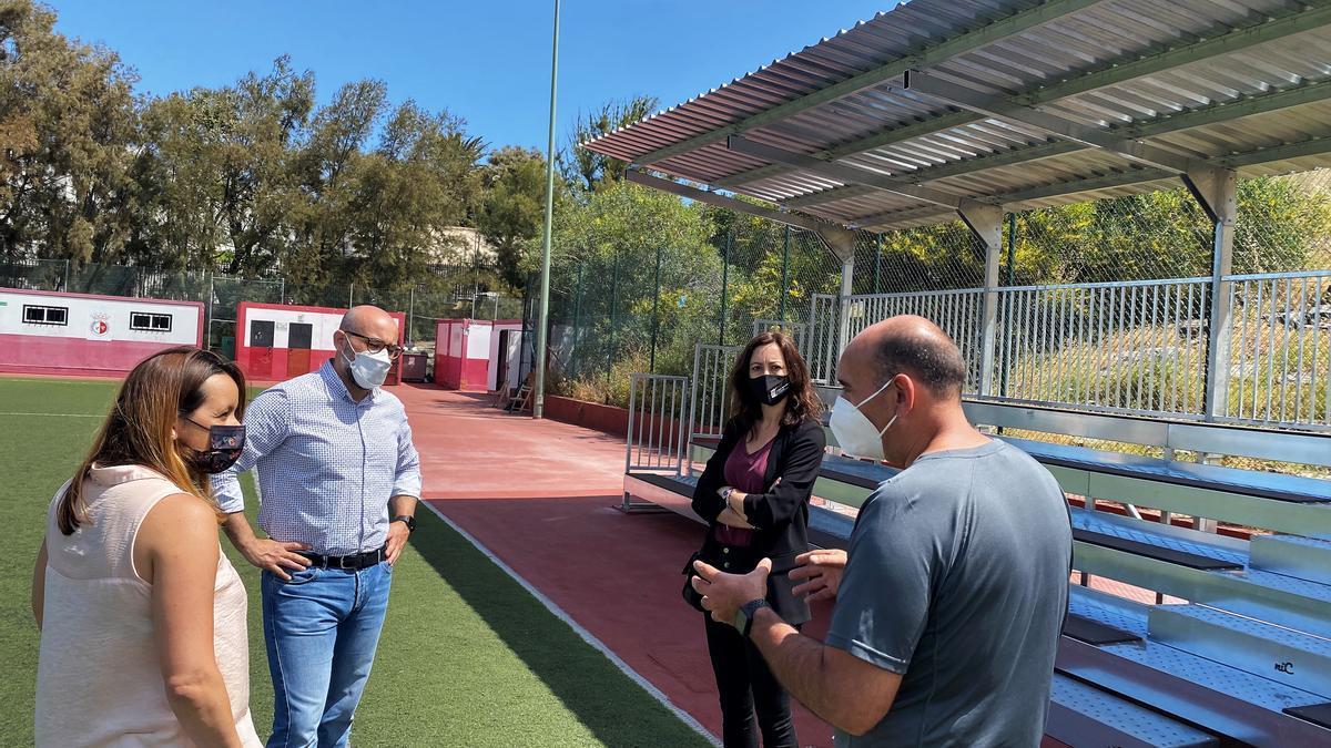 Mejora las instalaciones del campo de fútbol de Casablanca III