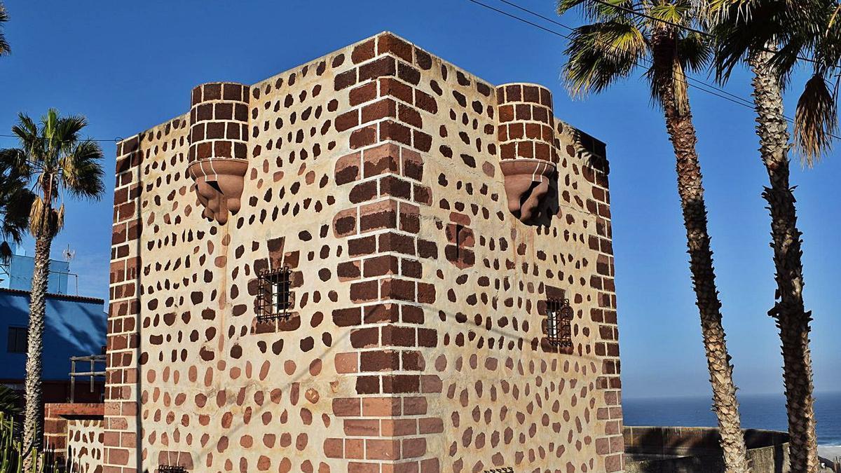La casa-torre de la Punta del Hidalgo | | E.D.