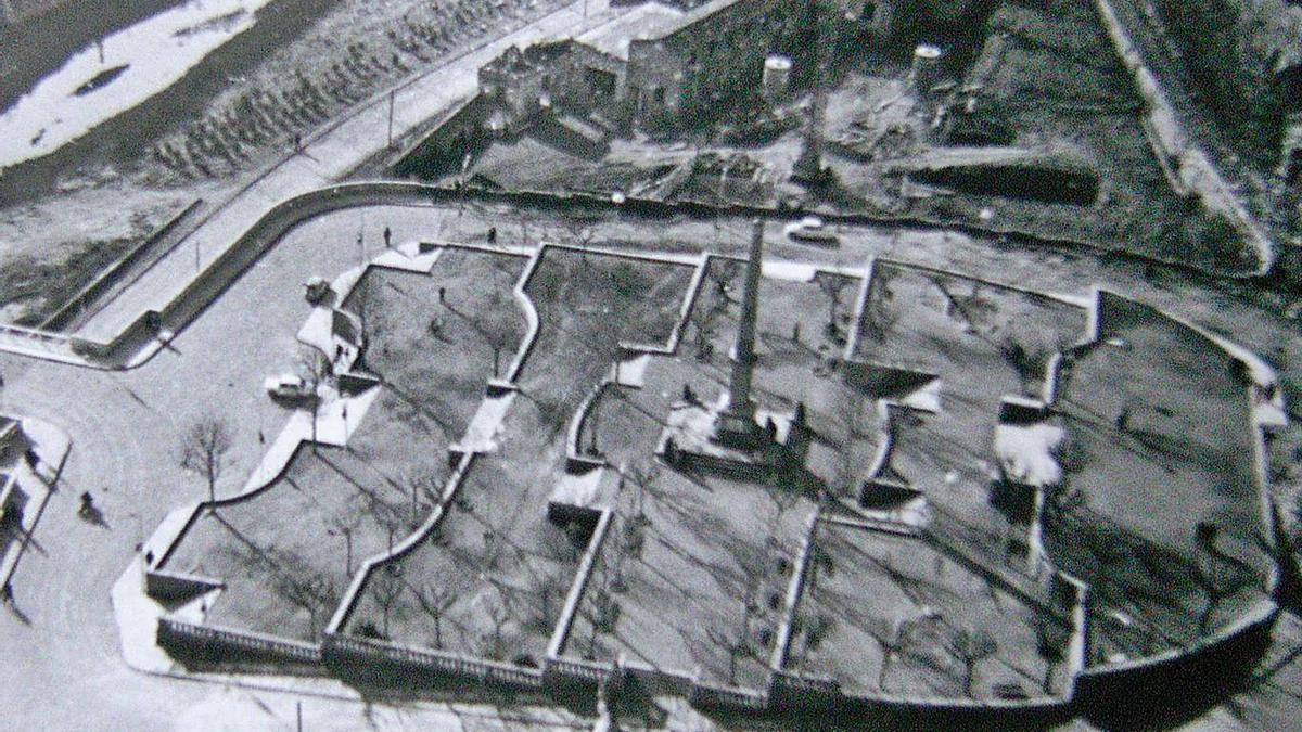 Perspectiva de l'antiga plaça de la Reforma vista des de la basílica de la Seu   ARXIU PARTICULAR