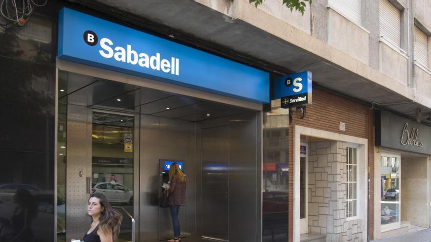 La CNMV multa al Sabadell con dos millones de euros