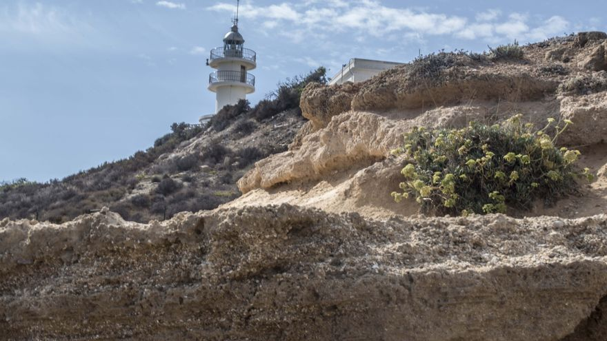 Salvem el Faro propone al Consell que el faro del Cabo de la Huerta acoja un centro ambiental