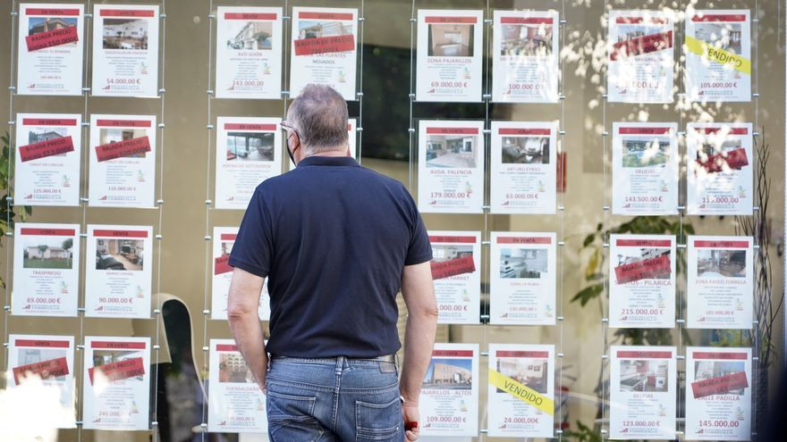 La firma de hipotecas sobre viviendas modera su caída en febrero hasta el 13,8%