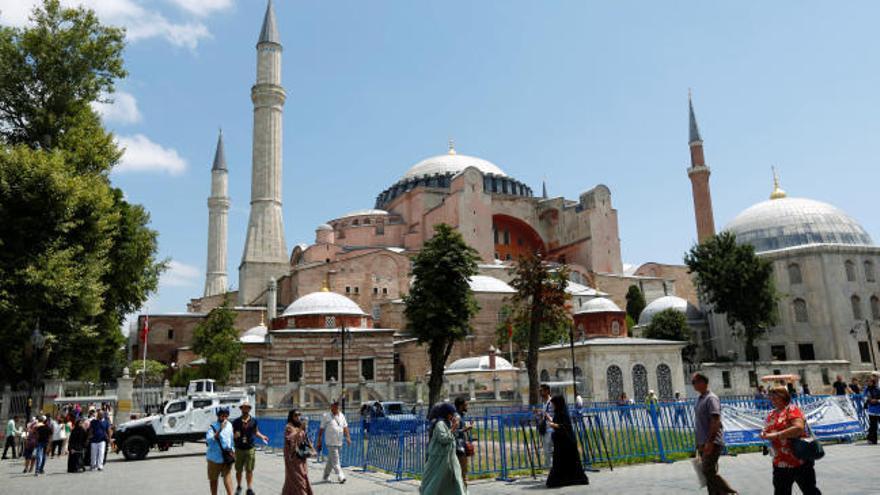 Santa Sofía renace como mezquita en Estambul