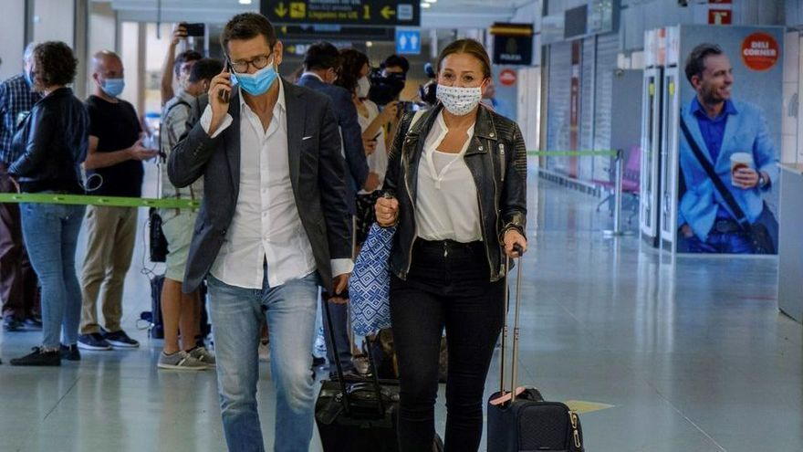 Trotz Corona-Risiko keine Kontrolle von Festlandreisenden