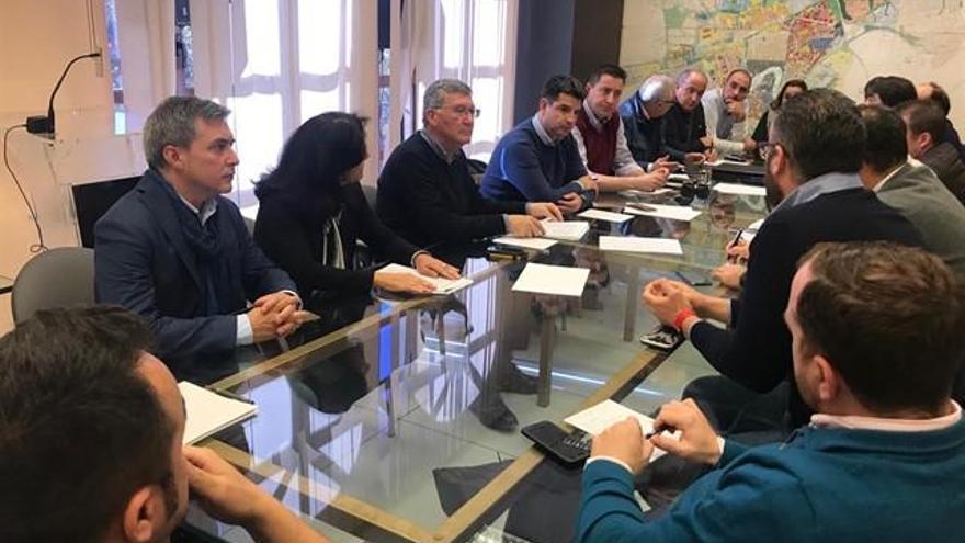 El presidente de la GMU y empresarios de hostelería analizan el decreto de la Junta de Espectáculos Públicos