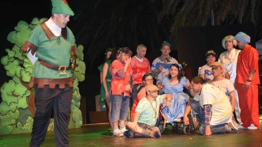 """Peter Pan """"vuela"""" a Cangas con un musical con discapacitados y jóvenes estudiantes"""