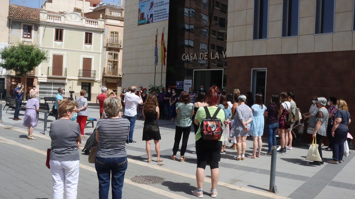 Imagen de la concentración frente al consistorio de Onda