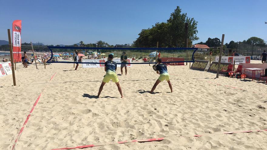 Samil se convierte en capital del deporte de playa durante todo julio
