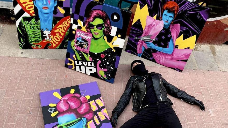El arte pop de Puntax colorea la sala de exposiciones de Benicàssim