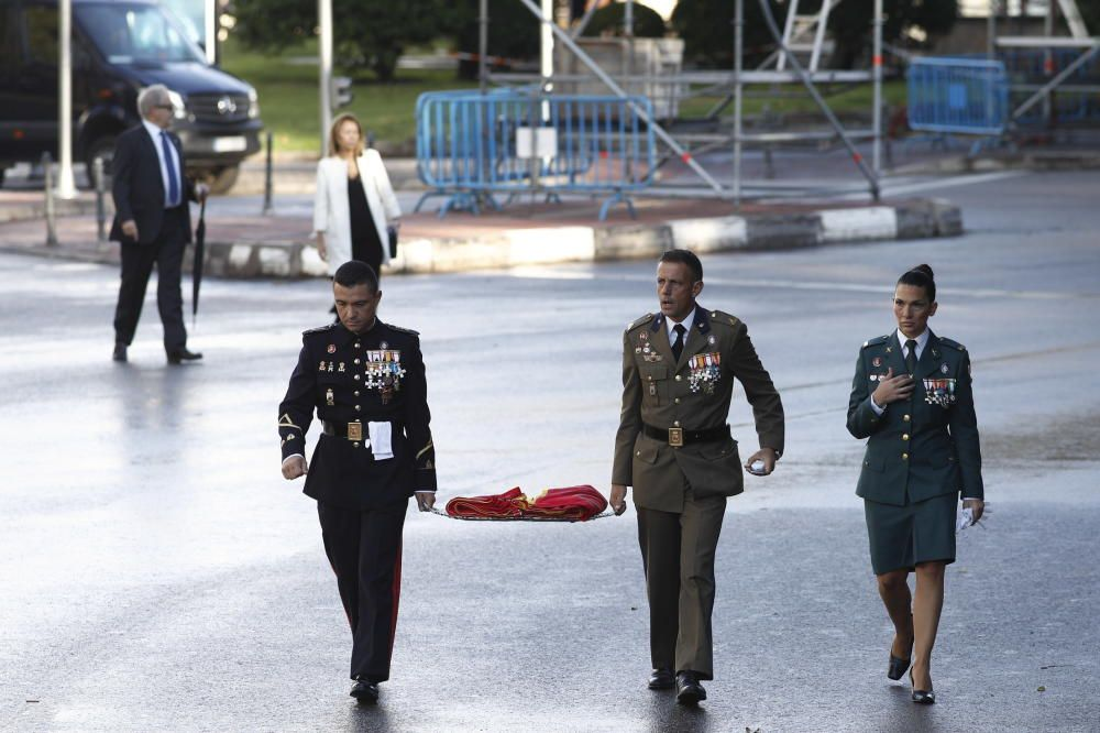 Tres miembros de las Fuerzas Armadas ...